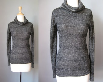 Silver Lurex Turtleneck / Vtg 70s / Long Sleeve Slim Fit Black and Silver Lurex Turtleneck