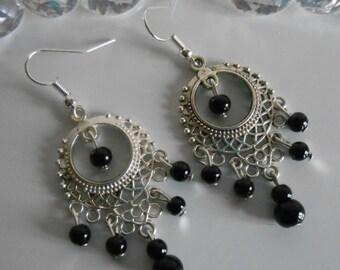 Gipsy dangling earrings black pearls