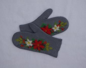 Felted mittens Merino Wool Gray Christmas flower