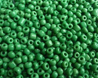 40 g/2500pcs 2mm Green seed beads