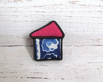 Little house christmass patchwork brooch