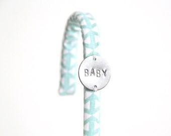 Crochet tissu Triangles Bleu Mint Pastel // Patère Bébé Garçon Fille Chambre Salle de bain Peignoir Serviettes Pyjama BABY // CRO23