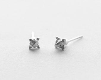 clove earrings | stud earrings | minimalist jewelry