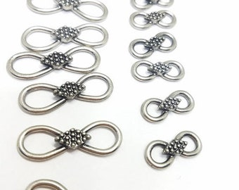 30% Off Sale Infinity Connectors Vintage Silver Tone Total 16   8 are 30 mm x 9 mm and 8 are 19 mm x 8 mm