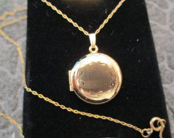 "Beautiful 12kt. Round LOCKET with 18"" chain> Vintage 1970's> Brushed Florentine with Etching>>> New Old Stock, never worn, in original case"