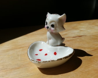 Heart shaped kitten trinket dish vintage 1950s made in Japan cat ring dish kitty ceramic gold rimmed
