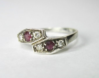 Vintage Silver Ring - 925 Silver - Reddish Pink and Clear Stones - Size 7.25