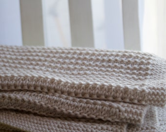Alder Blanket - An Aran or worsted weight blanket knitting pattern in two sizes