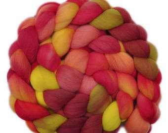 Hand dyed roving - 19μ Merino wool combed top spinning fiber - 4.3 ounces - High on the Hog 2
