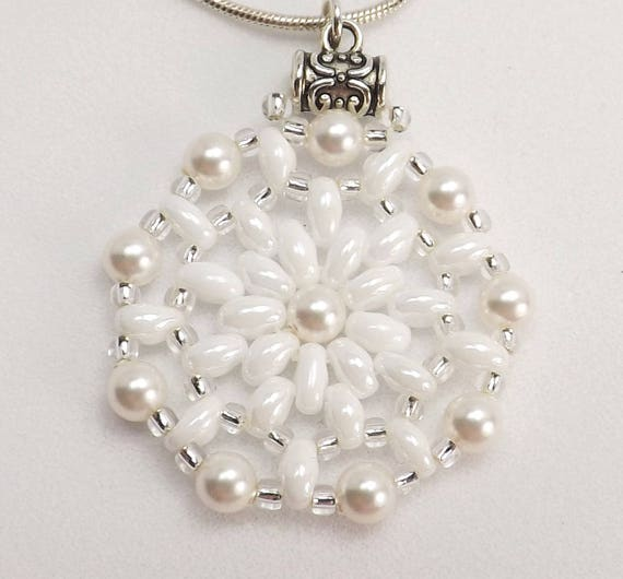 White Round Beaded Pendant Sku: Nk1011