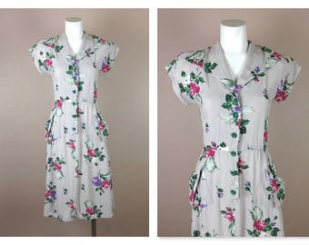 Vintage 1940s / 1950s Cotton Summer Dress, Floral Roses, Kimono Sleeves, Small  / Medium Size, Foldover Collar, Pockets