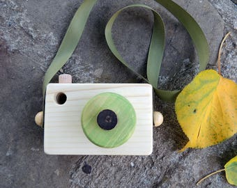 Green wood camera|Olive gren toy/Camera toy/ Pretend play, Role play, Waldorf toys, Toddler toy, Toddler gift, Handmade toy, Toddler gift,