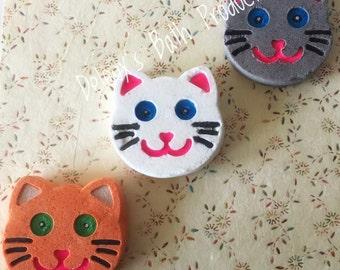 Kitty Bath Bomb! Cat Bath Bomb. Painted Bath Bomb. Handmade Bath Bomb. Bath Fizzy. Birthday Gift. Party Favour. Party Favor. Cat Themed.