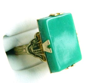 Vintage Victorian Rose Gold Buckle Band & Green Ring - Rectangle Celluloid - Size 5 - Signed UNCAS