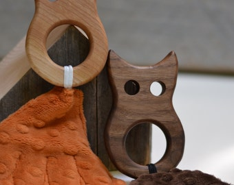 Wood Owl Teether  with Fuzzy Crinkle Tail
