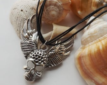 Cool Skull Necklace - Silver Charm Necklace, silver skull, Cool neclace
