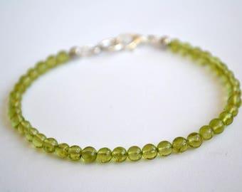 Peridot bracelet, Peridot jewelry, Peridot gift, Beaded peridot bracelet, Green peridot bracelet, Unique peridot bracelet, Bracelet peridot.