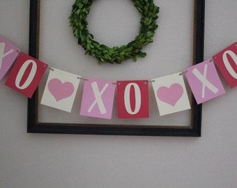 XOXOXO Valentine's Day Banner / Pink & Red / Hearts