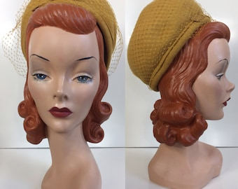 Early 1960's Mustard Yellow Glamour Felts Toque Hat with Ribbon Detail & Original Netting