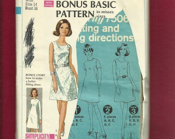 1967 Simplicity  7506 Fitting Shell Pattern A Line Dress with Jewel Neckline Size 14