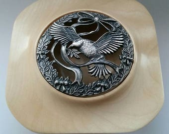 Winged Sycamore Pot Pourri Bowl with Pewter Lid