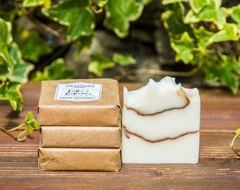 Handmade Soap Cedar & Jasmine, All natural soap, Vegan soap, Homemade soap, Palm free soap, Scented soap, Cold Process Soap