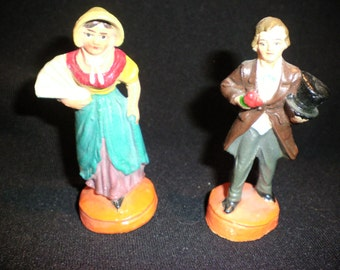 Pair of sweet little clay figurines