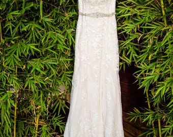 Used Justin Alexander Wedding Dress - Excellent Condition - Lace - Queen Anne - Sheer Back - Wedding - Bridal Gown - Free Shipping