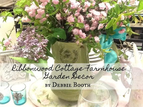 Farmhouse Garden Style Decorating Ideas - Ebook