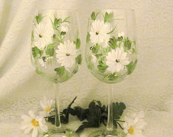Free shipping Daisies  pair of wine glasses hand painted