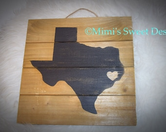 Rustic wood pallet with state and city