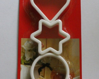 Set of 3 x Plastic Cookie Cutters LOVE Heart STAR CIRCLE