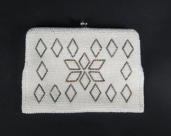 Vintage beaded bag made in Japan handbag clutch off white snowflake optional chain