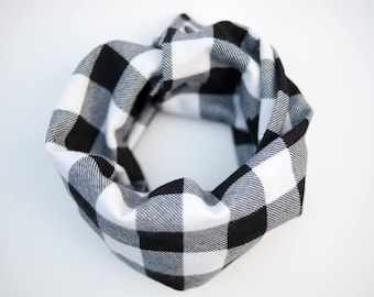 Lumberjack baby scarf, White Buffalo plaid, Toddler infinity scarf with snaps, Baby cowl, Black and white flannel, Cold weather baby props
