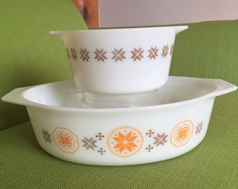 Vintage 60s Mid Century Town and Country Pyrex Casserole Dishes/#473 1qt and #045 2 1/2qt No Lids