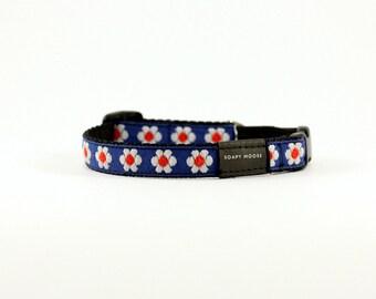 Daisy Cat collar,Hand Made in Australia, Kitten collar, white and Navy cat collar, navy kitten collar, Daisies kitten collar, daisy collar