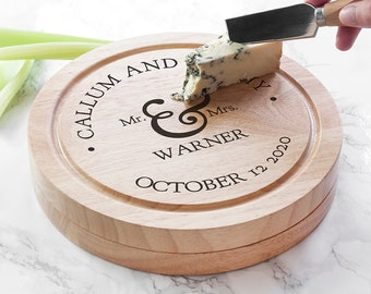 Mr and Mrs Classic Cheese Board Set - Wedding - Romantic Gift - Valentine's Day Gift - Custom & Bespoke - FREE UK DELIVERY!