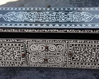 Moroccan Handpainted Wooden Media Stand - Black & White