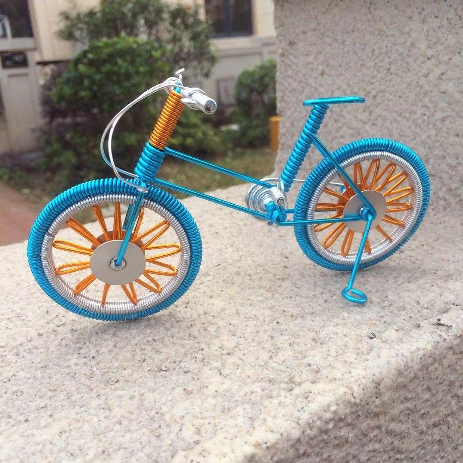 Wire Wrapping Bike Miniatur blau Fahrrad und Radfahren