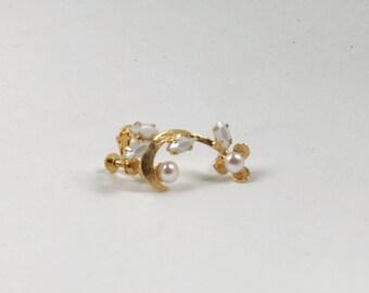 Manchette d'oreille de perles dorées, or boucles d'oreilles victorien, grimpeur d'oreille de perles, bijoux grec, bijoux Bobo, bohème boucle d'oreille, boucles d'oreilles mariée fait à la main