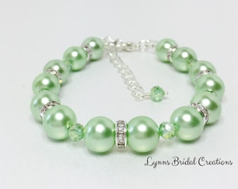 Mint Green Bracelet Wedding Bracelet Shell Pearl Jewelry Bridesmaid Bracelet Mother of the Bride Gift Mint Green Pearl Crystal Bracelet