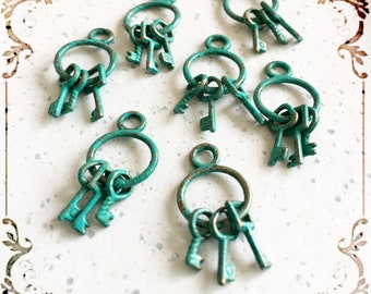 Handpainted Verdigris Patina Bunch Of Keys Charms (18053) - 27x12mm