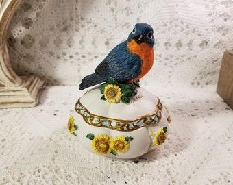 "Songbird Treasures ""Born Free"" music box"