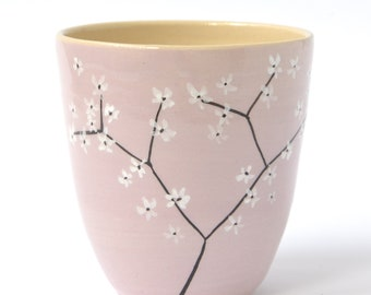 Mug in lilac with blossom