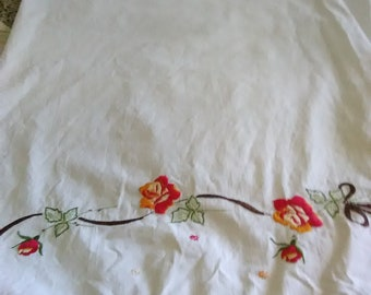 Vintage Pair Of Standard Pillow Cases