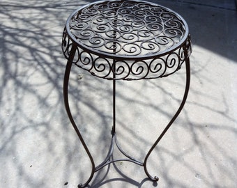 Metal Wrought Iron Plant Stand, Rustic Outdoor Plant Stand Side Table, Sturdy Plant Stand
