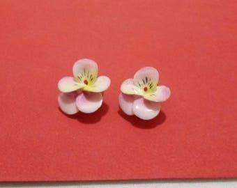 Vintage porcelain pansy earrings