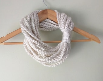 Chain Scarf Necklace / Short / Cream Scarf / Winter White Scarf / Indie Clothing / Braided Cowl