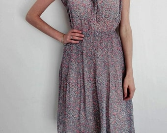 Sleeveless Floral Printed Pleated Bohemian Style Bloom Vintage Dress by Kirna