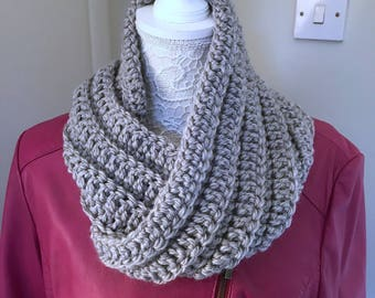 Chunky Crochet Cowl, Super Chunky Ribbed Winter Cowl, Soft Grey Cowl, Infinity Scarf, Mobius Cowl, Twisted Chunky Cowl, Twisted Scarf